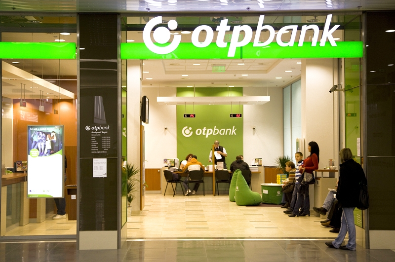 Image of otp bank, Budapest.