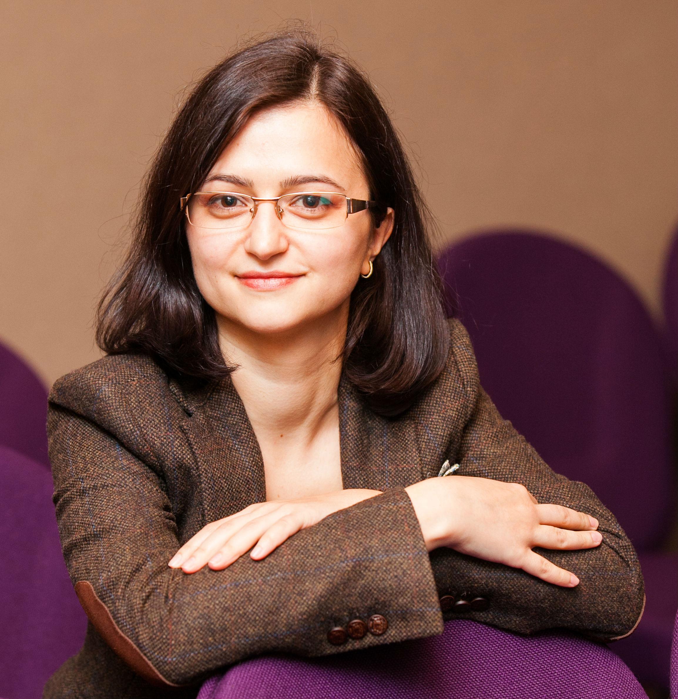 Simona Bazavan1