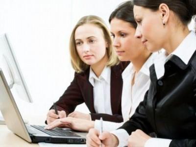 Romanian women wages