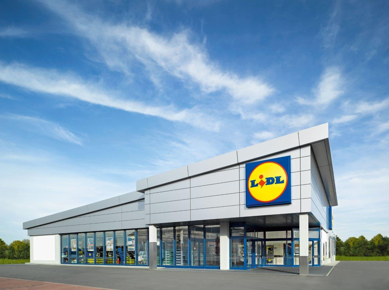 lidl upgrades two stores from bucharest business review. Black Bedroom Furniture Sets. Home Design Ideas