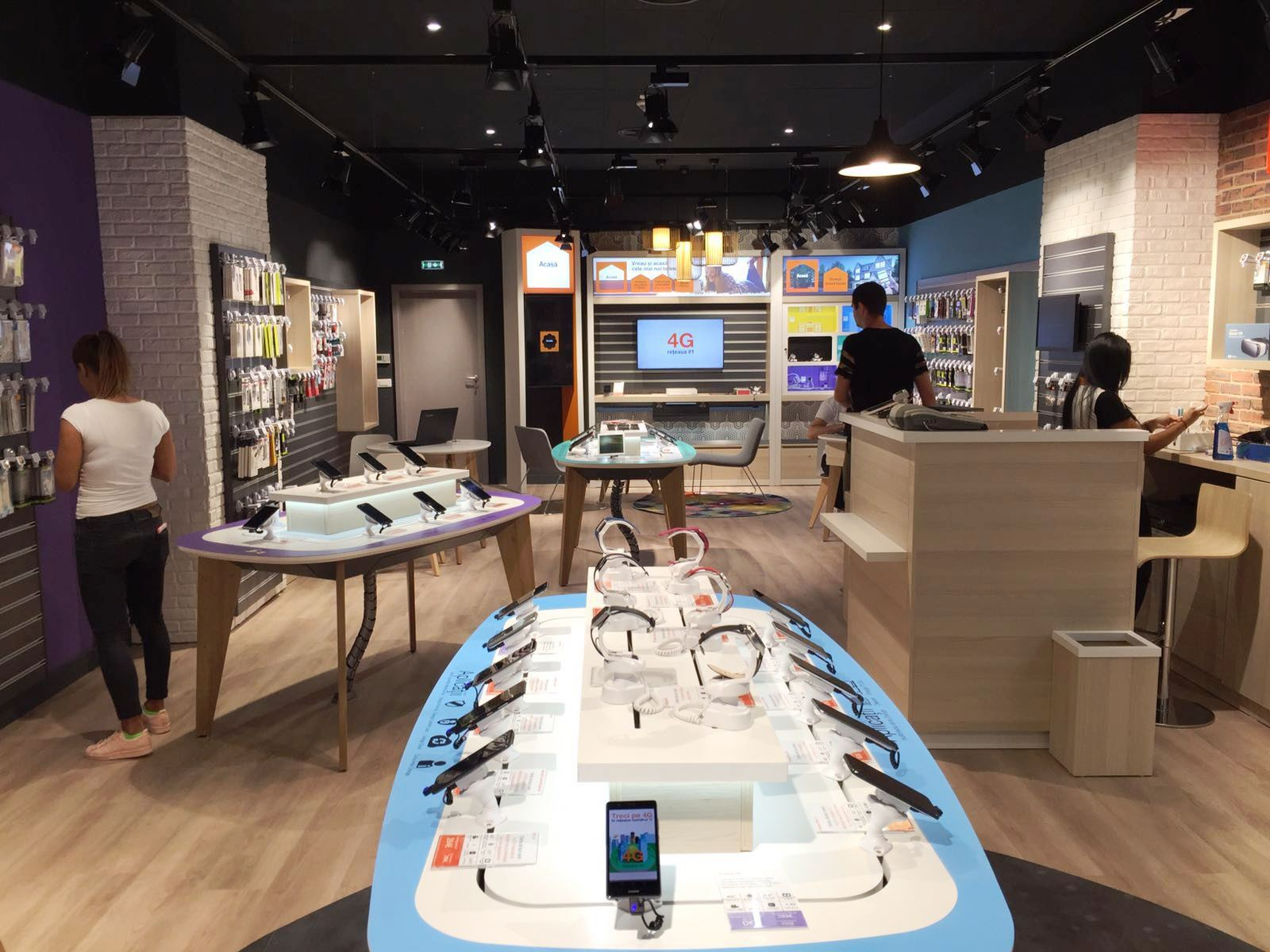 Orange opens new smart store in bucharest business review - Boutique orange beauvais ...