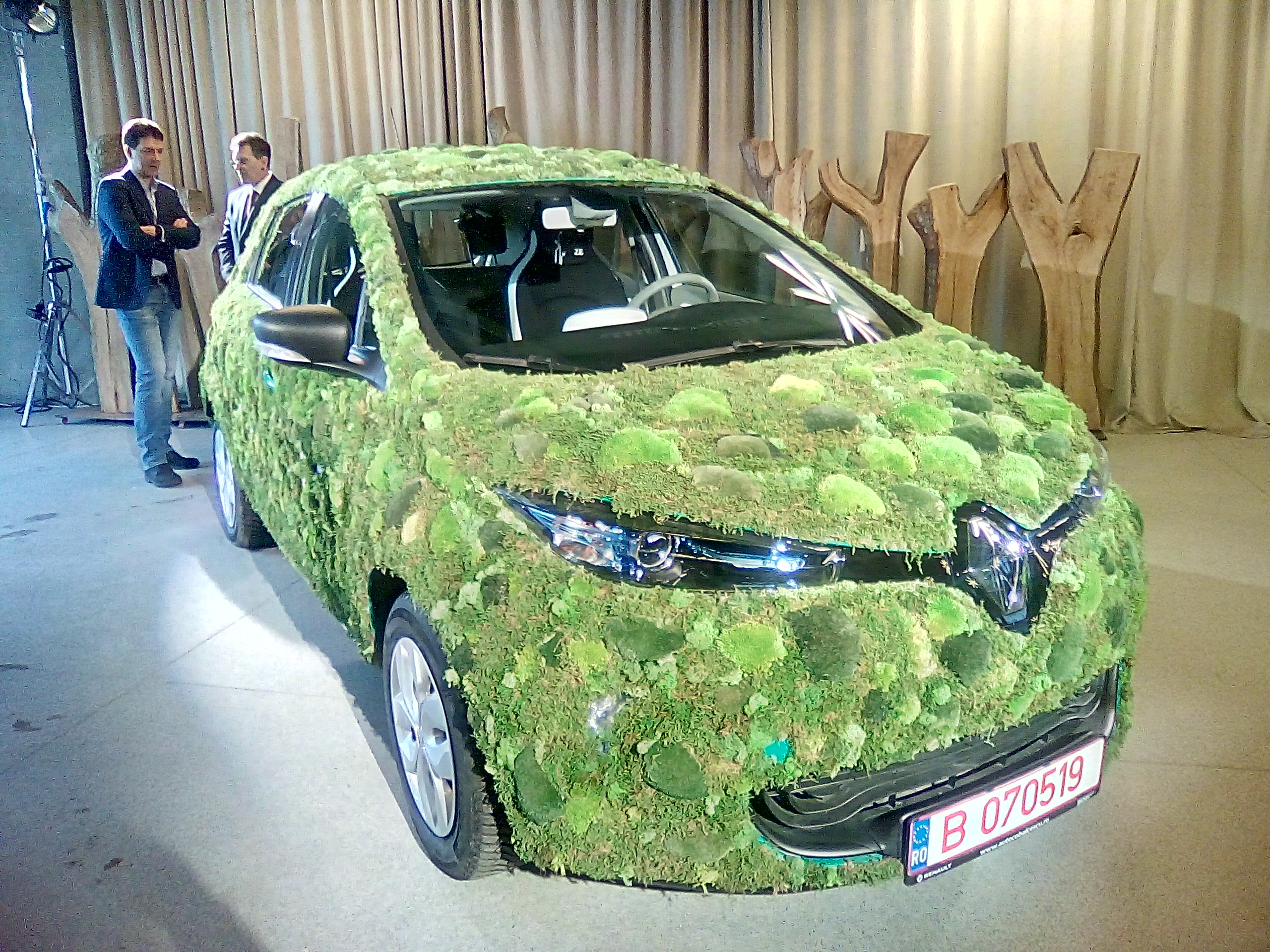 Uber Launches Green In Bucharest With 20 Electric Cars Fleet From Eldrive