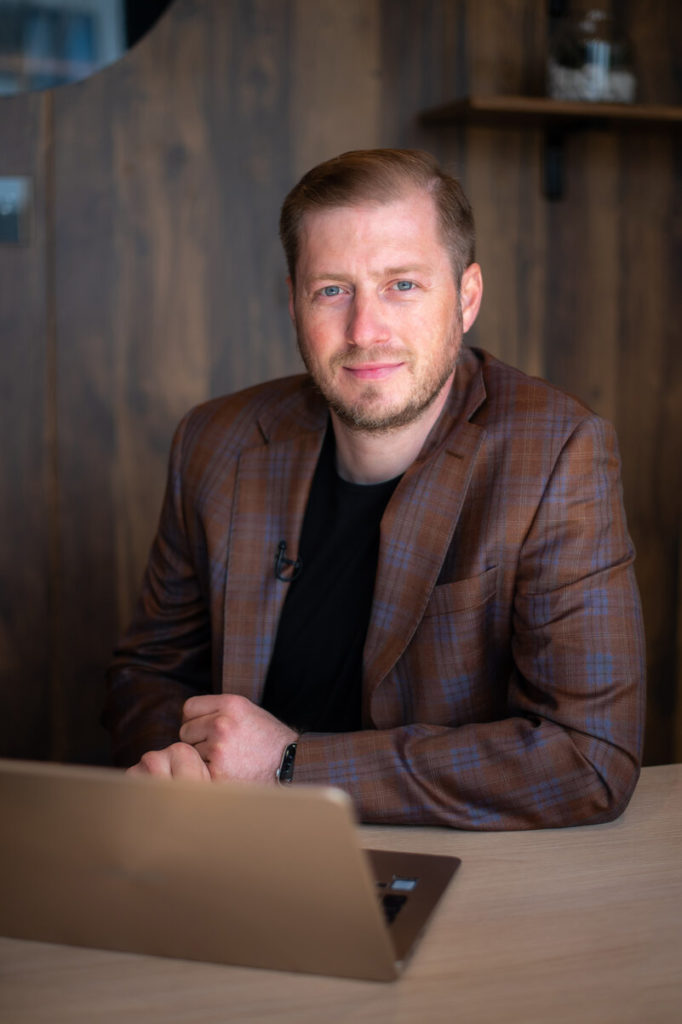- Sergiu Babasan Country Manager Nooka Space 682x1024 - Nooka Space, the network of smart and flexible proximity offices, to launch in Romania